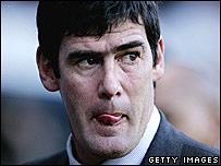 Luton Town manager Mike Newell