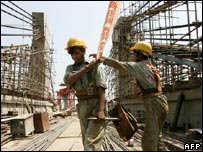 Indian construction workers in Delhi