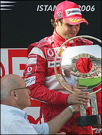 Mehmet Ali Talat (l) and Felipe Massa