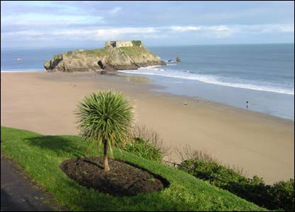 Sunshine at Tenby South Beach (Helen Cook from Wiltshire)