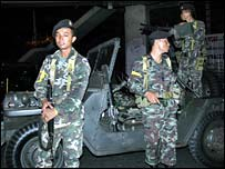 Thai soldiers on roads leading to Government House, Bangkok