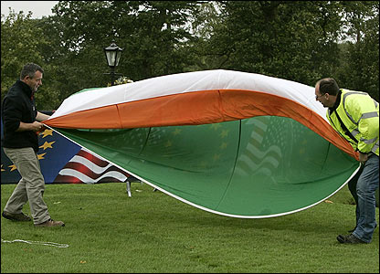 K Club officials struggle to keep hold of the Irish tricolor