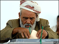 Yemeni man voting in the capital Sanaa