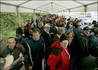 Golf fans queue up at the K Club