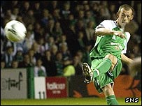 Steven Fletcher opened the scoring at Easter Road