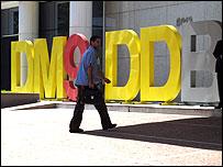 Frente de empresa DM9DDB