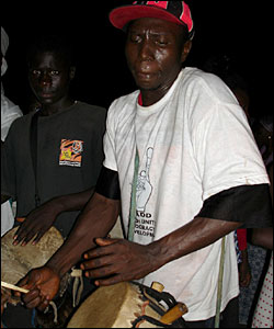 Nadd supporter drumming