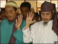 Imam Samudra, (R) and Amrozi Nurhasyim, (L)