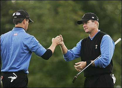 Zach Johnson and Scott Verplank celebrate