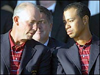 US captain Tom Lehman and world number one Tiger Woods at the post-match presentation ceremony