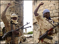 Islamic Courts fighters in Mogadishu - file photo
