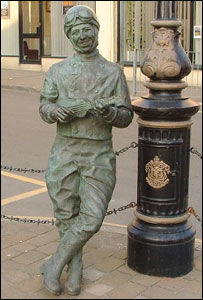 Statue of George Formby in Douglas - courtesy of manxscenes.com