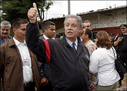 Guatemalan President Oscar Berger at Pavon jail