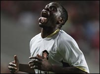 Man Utd's Louis Saha celebrates his winner against Benfica