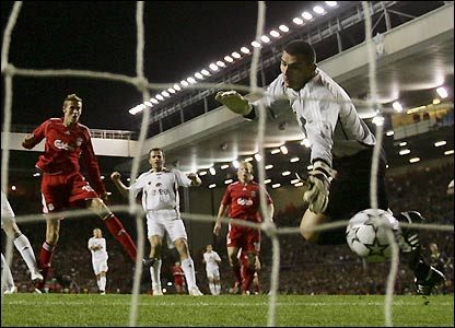 Peter Crouch scores from close range to put Liverpool ahead