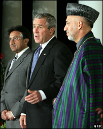 Pervez Musharraf, George W Bush and Hamid Karzai before the dinner meeting 