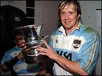 Shane Williams celebrates success against Argentina in 2004