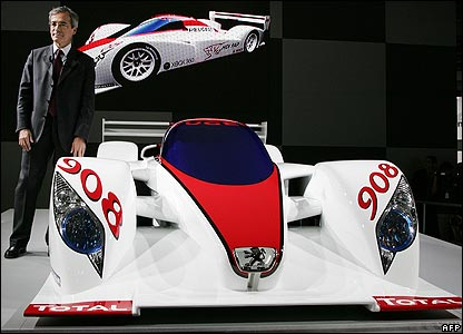 The Peugeot 908 racing car