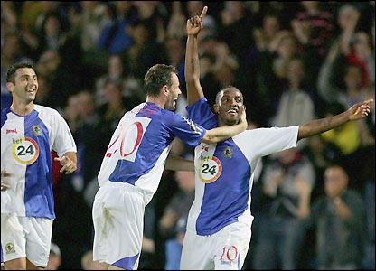 Blackburn celebrate Benni McCarthy's goal