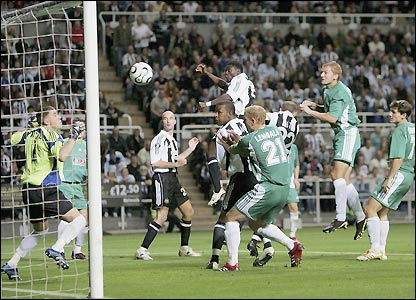 Obafemi Martins scores