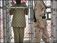 Soldados en la base de Guantánamo