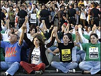 Manifestaci�n a favor de inmigrantes en California