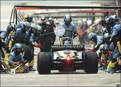 Pit stop mistakes cost Fernando Alonso