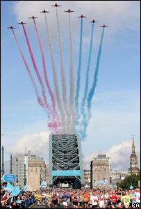 The Red Arrows fly over the Tyne Bridge during the Great North Run