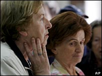 Bosnians queue to vote in Sarajevo, 1 October 2006