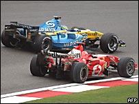 Schumacher supera a Fisichella