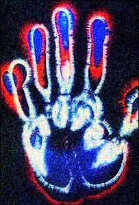 الهالة كما تبدو حول أصابع اليد البشرية