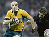 Stirling Mortlock rounds New Zealand captain Richie McCaw