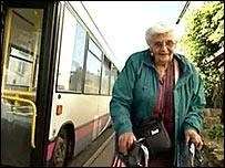 Nancy Underwood getting off the bus