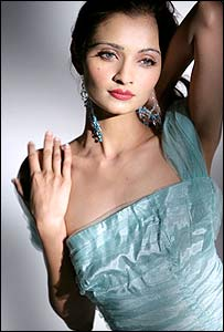 Kanksha Mehta, Miss India (photo by permission of Globe International 2006)