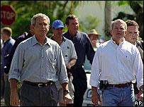 George W. Bush y Mark Foley (archivo)