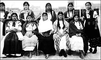 """""""Las diez indias bonitas"""". Agosto de 1921. Archivo histórico El Universal."""