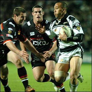 Motu Tony evades two Bradford players