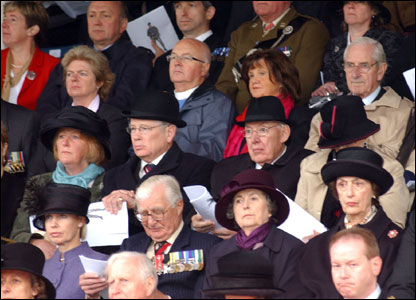 Assorted dignitaries, including Ian Paisley (pic courtesy Will Craig/Army press office)