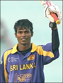 Upul Tharanga celebrates his century