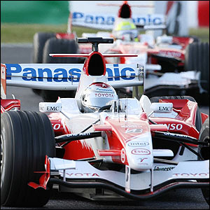 Jarno Trulli leads Toyota team-mate Ralf Schumacher during the Japanese Grand Prix