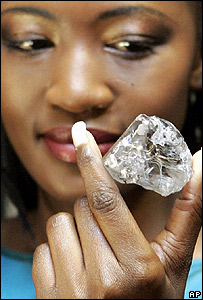 Model looks at the Lesotho Promise - one of the world's largest diamonds