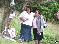 Michelle Hadaway and Susan Eismann at the murder scene in Wild Park