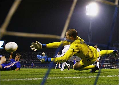 Paul Robinson makes an excellent save from Niko Kranjcar