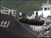 Barco de Corea del N. recibe cargamento de bicicletas en Jap�n