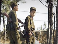 North Korean soldiers patrolling the border with China