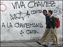 Graffiti en una pared de Quito