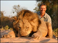 Dr Peter Lindsey with lion