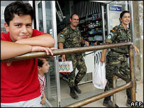 UN peacekeepers at Beirut shop