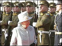 The Queen and soldiers