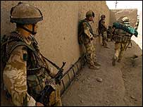 3 Para troops in Helmand (photo: Cpl Rob Knight)